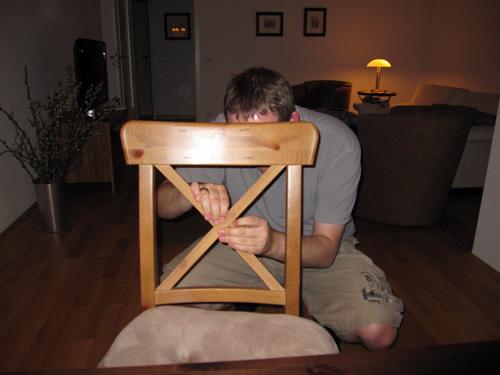 Mads dræber en stol