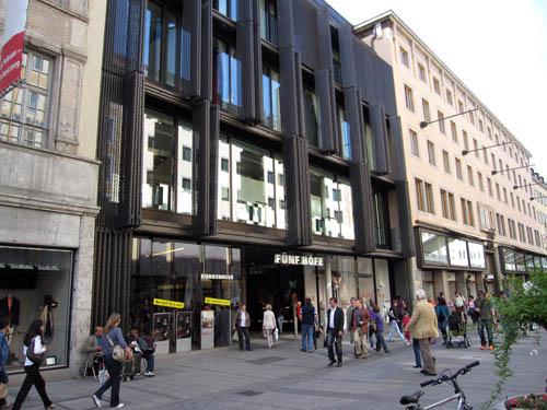 Fünf Höfe Shopping