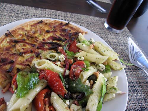 Tærte og pastasalat