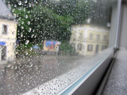 Ja, det regner stadig