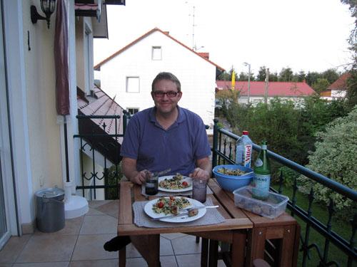 Aftensmaden blev nydt på altanen