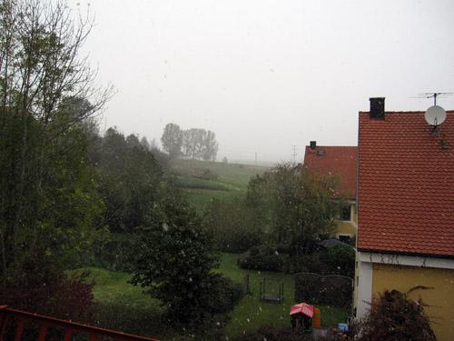 Sne...