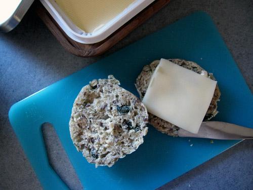Nybagt bolle med ost...