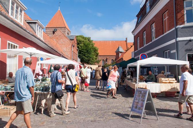 Tirsdagsmarked i Stege...