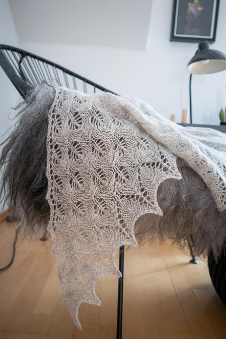 Shetland Triangle Lace Shawl...